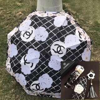 全新 CHAN*L會員贈品 山茶花 黑白色(自動開關) 遮 雨傘 Umbrella 連原裝盒
