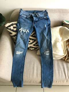 H&M Denim Skinny Low Jeans (WORN ONCE BY MODEL)