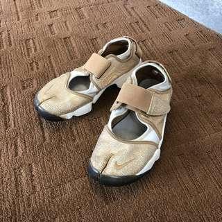 |日本直送|限定 nike air rift 金色閃光 忍者鞋