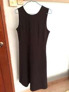 The Editor's Market Black Midi Dress