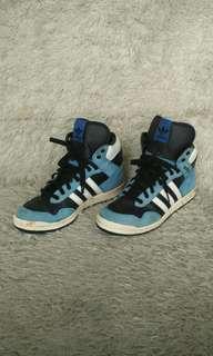 Sepatu adidas for men