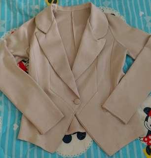 🚚 米色西裝外套