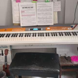 Digital piano Medeli 88 keyboard