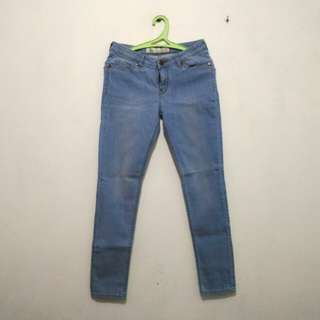 NEW: Celana Jeans Lea (straight jeans) Size 30, Warna Blue Washed