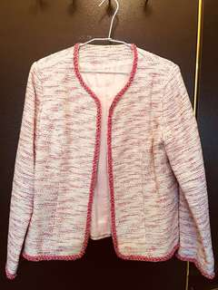 🚚 小香版毛呢粉紅色短外套,適合春秋外出可配裙子或牛仔褲