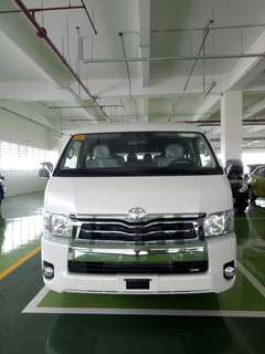 Van for Rent (Toyota Super Grandia)