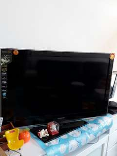 Used good Samsung series 5 TV for sale
