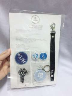 D.O. Keychain and button badge