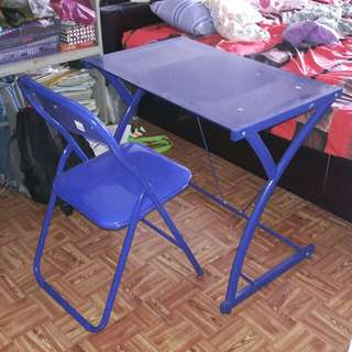 Kis study desk