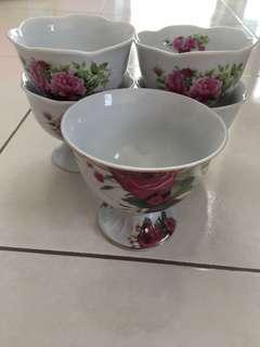 5 Ice Cream/Dessert Bowls