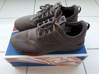 Sepatu new balance size 45 original store