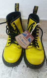 Kasut Yellow Boot