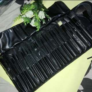 32 pcs. Make Up Brush Set