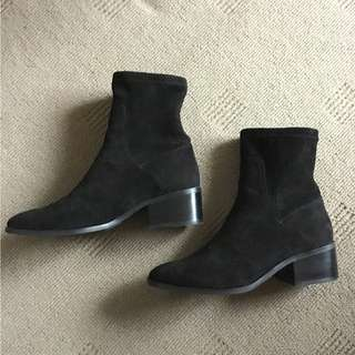 Wittner black suede-look stretch boots