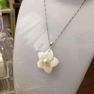 天然淡水珍珠加貝殼制成品吊墜