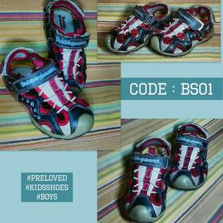 Boys shoes from Bubblegummers Sz7