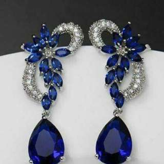 Ceylon Blue sapphire earrings with white gold