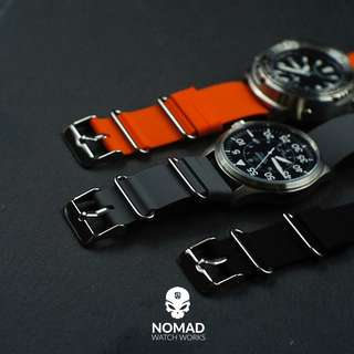 🚚 Rubber Nato Strap in grey (Orange and black in background also available)