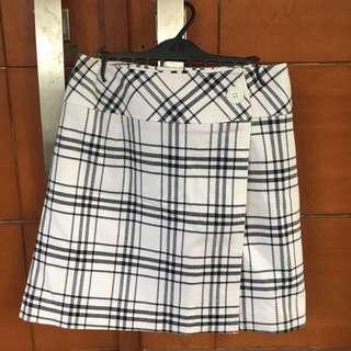 Tartan black & white skirt