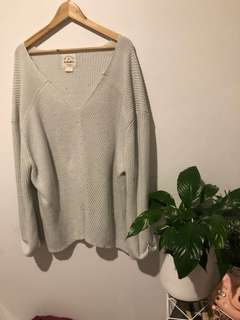LIGHT GREY KNIT
