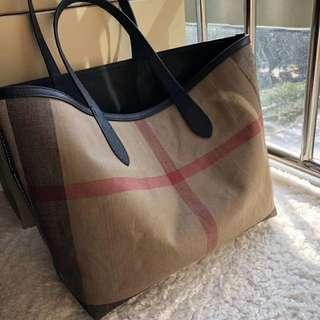 Burberry Bag (High Quality)