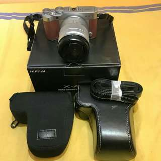 Fujifilm X-A3 with box and case