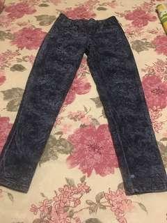 Jeans biru motif
