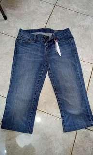 Sale jeans selutut
