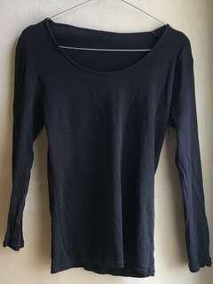 uniqlo black plain long sleeves tshirt
