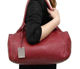 Italian Furla cowhide all leather shoulder tote bag red / B5 size