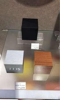 Alume cube clock 時尚鬧鐘 (日本MoMA 產品)
