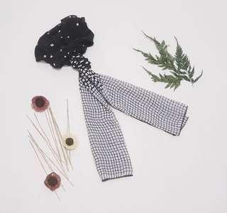 B&w scarft