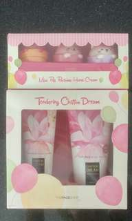 Face Shop body wash body lotion and hand cream gift set