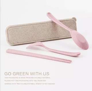 Kid's utensils with case ( for schooling , picnic , & traveling)
