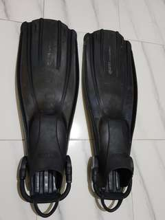 Mares Avantiquattro Fins (Black)