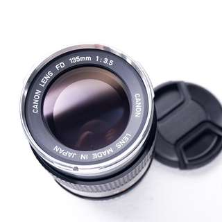 Canon 135mm f3.5 FD manual focus lens