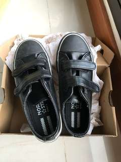 North Star School Shoes (Size 12)
