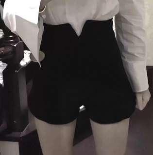 🚚 超顯瘦高腰黑色短褲