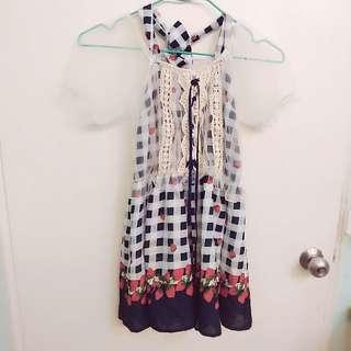 日系蕾絲露背甜美洋裝