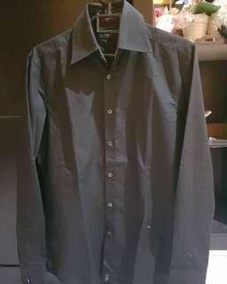 FS Guess shirt sz S fit M