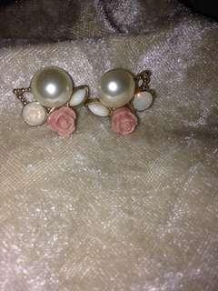 Pearl and rose earrings