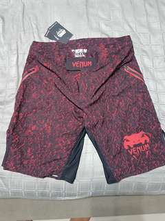 Authentic Venum Limited Noise Black/Red Fightshorts