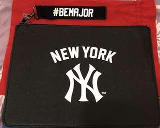 韓國人氣品牌MLB特別版iPad 袋/隨身袋(黑色皮革)