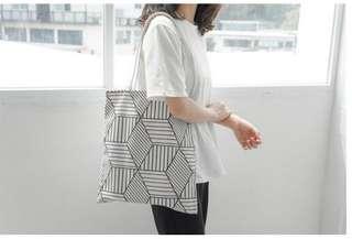🚚 現貨-帆布包  有黑白兩色 購物袋