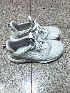 🚚 Adidas alpha bounce