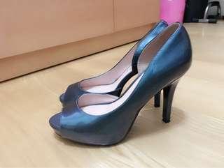 🚚 達芙妮跟鞋 24.5/39