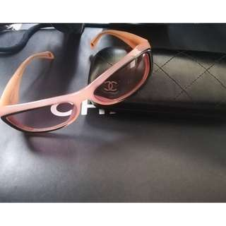 Chanel Sunglasses light pink Frame with swarovski With Hard Case