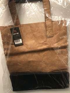 全新 💯% 韓國🇰🇷 仿紙皮 啡色實用袋 原價38000Won 超抵價