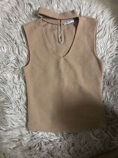 Warm nude sleeveless top💓