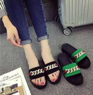 #預購 #女鞋 新款防滑一字鏈條平底拖鞋 320元 顏色👉黑、綠 尺碼👉35-40